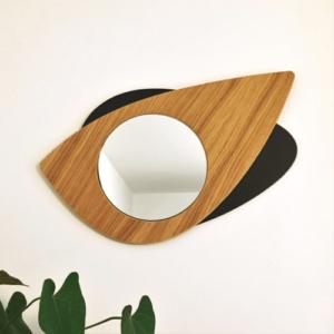 Miroir en bois DikromA. Modèle Cyclope en forme d'œil. Couleur bois naturel et teinté noir.